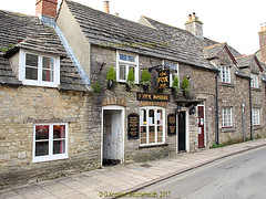 The Fox Inn in West Street in 2013, Corfe Castle,in the county of Dorset, England. (samurai2565) Tags: corfecastle castleindorset england purbecks wareham doomsdaybook bankesestate thenationaltrust swanage sandbanksferry studland