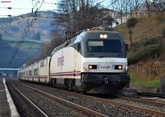 252 (firedmanager) Tags: renfe renfeoperadora railtransport ferrocarril tren train trena 252 trenhotel surexpreso talgo talgoiv siemens locomotora locomotive imperial adif legorreta gipuzkoa