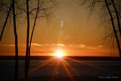 Soleil étoilé .. ( P-A) Tags: filtrecokin étoile horizon soir marina aylmer hiver couleur orange doré nuages douceur tranquillité photos simpa©