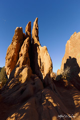 The Climbers (Alfred J. Lockwood Photography) Tags: alfredjlockwood nature landscape gardenofthegods threegraces climbers rockformation sandstone afternoon winter clearsky colorado