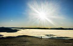 Navidades al calor (Jabi Artaraz) Tags: jabiartaraz jartaraz zb euskoflickr sol contraluz sun niebla montaña
