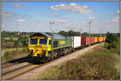 66501, Church Brampton, 4M58 (Jason 87030) Tags: shed fred freightliner 66501 class66 gm churchbrampton ts lineside location fields northants northamptonshire 4m58 august summer sunny 2010 canon containers cargp freight frecht load soton southampton crewebasfordhall