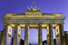 Brandeburger Tor (viaggionelmondo) Tags: world camera trip travel blue light vacation berlin tourism beautiful night germany lens deutschland photography photo reflex amazing cool nice fantastic nikon perfect europa europe flickr photographer tour shot dusk sightseeing picture pic visit tourist traveller adventure worldwide journey german stunning bluehour sight nikkor capture visiting discovery quadriga mitte soe masterpiece deutsch discover dx pariserplatz brandeburgertor brandeburggate d7100 nikonreflex tiergarter simplysuperb nikonflickraward flickrtravelaward nikond7100