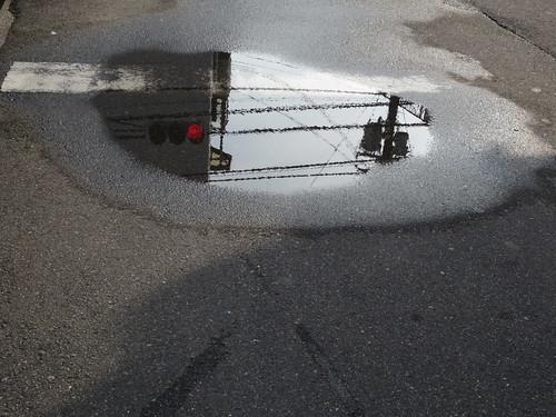 雨あがりの道