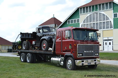 Mack MH613 Rollback (Trucks, Buses, & Trains by granitefan713) Tags: mack coe vintagetruck cabover macktruck rollback antiquetruck aths straighttruck mh613 mackmh613 athsnationalconvention mackmh athsyork