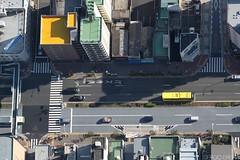 imagem. (sergioereira) Tags: street bus geometric geometrico yellow japan square photography tokyo amarelo rua onibus quadrado japao quadrados retangulo retalgulo anobus