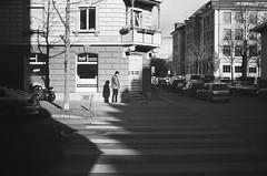 skater (gato-gato-gato) Tags: 35mm asph ch iso400 ilford ls600 leica leicamp leicasummiluxm35mmf14 mp messsucher noritsu noritsuls600 schweiz strasse street streetphotographer streetphotography streettogs suisse summilux svizzera switzerland wetzlar zueri zuerich zurigo z¸rich analog analogphotography aspherical believeinfilm black classic film filmisnotdead filmphotography flickr gatogatogato gatogatogatoch homedeveloped manual mechanicalperfection rangefinder streetphoto streetpic tobiasgaulkech white wwwgatogatogatoch zürich manualfocus manuellerfokus manualmode schwarz weiss bw blanco negro monochrom monochrome blanc noir strase onthestreets mensch person human pedestrian fussgänger fusgänger passant