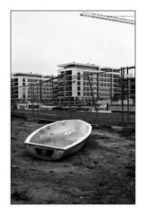 . (Alex Sander S.) Tags: epsonv500 filmphotography kodak classicblackwhite planar45mm contaxg1 45mm urbanphotography caffenol offenbach filmisnotdead 4001600 carlzeiss carlzeissplanar urban kodaktmax400 contax 35mmfilm analog