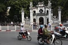 DSC_1381 (Kent MacElwee) Tags: vietnam sea asia southeastasia hanoi capital motorbike traffice street people