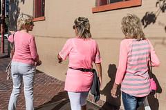 PINK PANTHERS (Magnus Fröderberg) Tags: streetphotography gatufoto sandiego usa gaslampdistrict pink ladies street