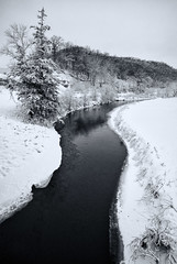 The meandering Kickapoo river (citrusjig) Tags: pentax k200d manualfocus wisconsin sigma1020mmf456 river kickapoo snow blackandwhite