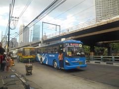 Hi-Star 716 and Gloren Trans K-8088 (renan_sityar) Tags: bus star nissan diesel daewoo hi trans sr akr gloren