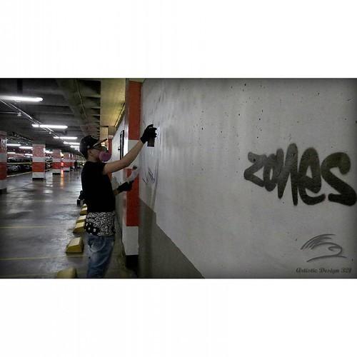 """""""ESTACIONARTE 2015""""  -ZONES-  Gran Estación Centro Comercial  Gracias por la invitación a Kno-Delix.  #bogota #colombia #graffiti #zones1graffiti #ink #spray #ironlak #amen #bulldog #montana #color #sur #street #art #friend #love #historia #vida #paz #ins"""