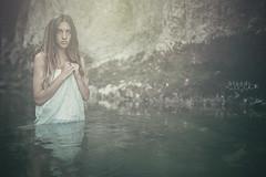 (Blondi000) Tags: portrait italy water girl dream acqua rosso ritratto marche jesi ragazza dreamers sogno fineartportrait sognatore sognante