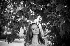 (Esther'90) Tags: portrait portraitphotography portraitwoman portraiture portraits woman womanportrait summer summertime summerafternoon afternoon afternoonlights sunshine sunlight bokeh bokehbackground blackandwhite blackandwhiteportrait leafs leaves nature natural naturallight face