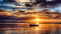 La barque du Men Du - #01 (DENISDROUAULT) Tags: beach borderfx breizh bretagne brittany denis drouault denisdrouault hdr jimages mer morbihan ocean océan paysage plage sea soleil sun surf vague vagues water wave waves