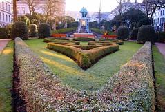 Square du Petit Sablon, Brussels (jackfre 2) Tags: belgium brussels square petitsablon squaredupetitsablon garden statues sculptures pillars pond egmontandhorn fountain