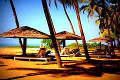 In the Midst of Nowhere (keedap) Tags: sea ocean kanu deepak deep smaran kerala neeleshwar malabar resort bekal ut hut devil d india god country