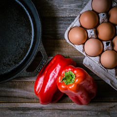 let's get cracking (auntneecey) Tags: eggs peppers castironpan woodensurface squarecrop overhead food 365the2017edition 3652017 day8365 8jan17