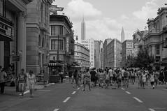 Copy-of-NY (Alessandro Marci) Tags: usa newyork streetphotography strada street america copy copia sony nex5n sel18200le orlando florida universalstudios