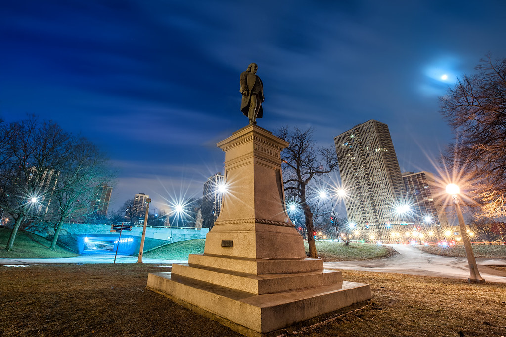 The Benjamin Franklin Monument in Lincoln Park.