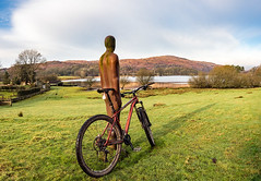 6th February 2017 (Rob Sutherland) Tags: anthonygormley trek stache 7 mtb mountainbike coniston nibthwaite water statue cumbria uk england lakedistrict lake lakes nationalpark ldnp k