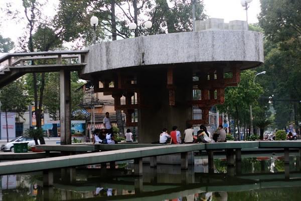 4Một góc của hồ Con Rùa