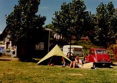 1973 Frankrijk (Steenvoorde Leen - 14.9ml views) Tags: 1973 franrijk tent kamperen camping citroen 2cv frenchcar franzosicheauto autofrancese cochefrances carrofrances