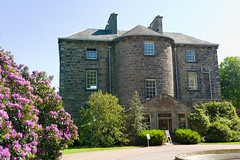 Inverleith House, Edinburgh (David_Leicafan) Tags: edinburgh porch georgian botanicgardens davidhenderson inverleithhouse quoins 40mmsummicronc