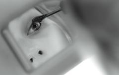 Dary (Lorenzo Pirotto) Tags: girl face canon vintage mare foto estate mascara macchina viso dariana ragazza specchio faccia volto trucco savona spotorno
