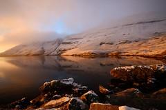 Llyn Y Fan Fawr Sunrise (Taracy) Tags: llyn y fan fawr brecon beacons national park lake water sunrise wales