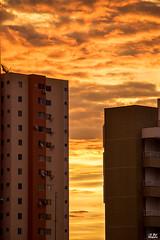 Céu de fogo / Fire sky (Zeca_PR) Tags: núvens céu pordosol cidade natureza canon canont6i canoneos750d canon18135mmstm lentes clouds sky sunset city nature lenses