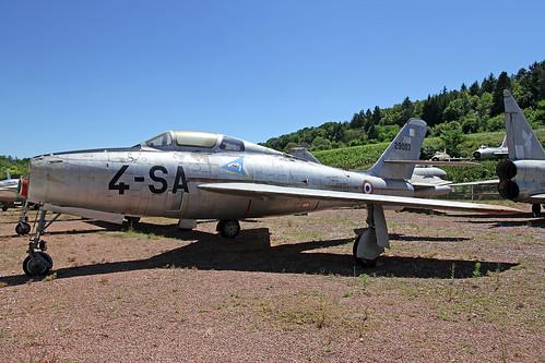 29003_4-SA_Republic_F84F_Thunderstreak_(tail_from_FU21)_AdlA_Savigny20160718_2