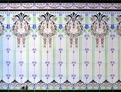Vilafranca del Penedès - Hermenegild Clascar 15-19 e (Arnim Schulz) Tags: modernisme barcelona artnouveau stilefloreale jugendstil cataluña catalunya catalonia katalonien arquitectura architecture architektur spanien spain espagne españa espanya belleepoque art kunst arte modernismo building gebäude edificio bâtiment faïence carreau glazed tile baldosa azulejos kacheln mosaïque mosaic mosaik mosaico baukunst tiles gaudí pattern deco liberty textur texture muster textura decoración dekoration deko ornament ornamento