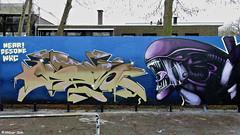 Den Haag Graffiti : NEAR! & DESONE (Akbar Sim) Tags: denhaag thehague agga holland nederland netherlands graffiti akbarsim akbarsimonse near desone wallkrushcrew wkc mient alien