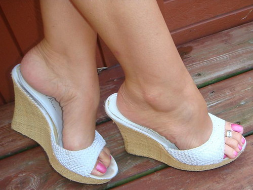 Sexy milf feet in wedge sandals