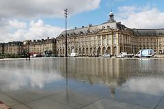 Miroir d'eau, façades 18ème, quais de BORDEAUX (Les photos de LN) Tags: architecture bordeaux garonne quais aquitaine gironde miroirdeau façades18èmesiècle
