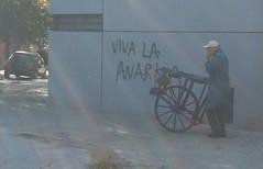 Caminando Buenos Aires.oficios afilador.El túnel del tiempo (santiaguitogonzalez) Tags: afilador ciudadbuenosaires caminandobuenosaires barriovilladelparque