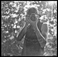 tumblr_nplezdvhFR1qgizzco1_1280 (headshot_imi) Tags: bw white black 6x6 tlr film contrast analog square lens photography photo reflex hand bokeh grain clarity twin hobby retro mat developer 124g passion oldtimer medium format feeling rodinal ph yashica 20c develop celsius sixbysix f35 fixer agitation fomapan finegrain r09 fomadon 6by6 accutance
