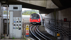 Canning Town Underground Station, London. (Jungle Jack Movements) Tags: poplar london underground tube 1996 uk england united kingdom gb great britain 96041 96 96044 line jubilee railway railroad rails bogie engineer train engine appliance kw traction run freight load pull passenger rail station set platform pickup carriage trip emu electric multiple unit metro suburb suburban transport gunzel gunzelling gunzeller canary wharf canning town