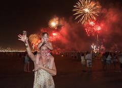 Ano Novo em Santos (Stefan Lambauer) Tags: anonovo catharina mamãe lilian newyear reveillon fogos fireworks gonzaga praia beach mar stefanlambauer sea 2017 brasil brazil santos sãopaulo br