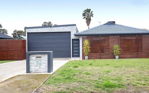 59 Vincent Road, Lake Albert NSW 2650