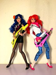 Kimber and stormer 🎸🎹💕 (trulytrulyoutrageous) Tags: fashiondoll integritytoys jemandtheholograms benton maryphillips stormer kimber jem