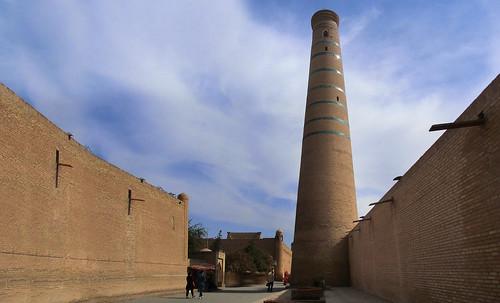 "Torres legendarias / Faros, minaretes, campanarios, rascacielos • <a style=""font-size:0.8em;"" href=""http://www.flickr.com/photos/30735181@N00/32155281800/"" target=""_blank"">View on Flickr</a>"
