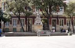 FONT DE NEPTÚ, (1826) d'ADRIÀ FERRAN I CELDONI GUIXÀ (Yeagov_Cat) Tags: 2015 barcelona catalunya fontdeneptú font neptú adriàferran celdoniguixà 1826 plaçadelamercè 1919 1975 1983