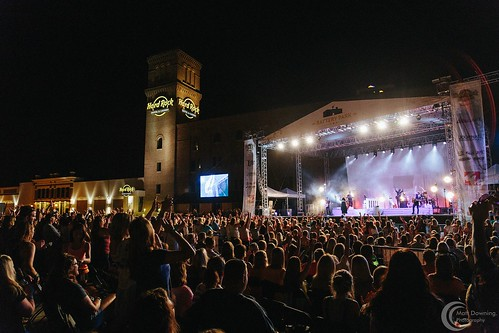 BatteryColbie Caillat - July 22, 2015 - Hard Rock Hotel & Casino SIoux CIty Park