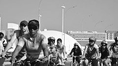 Passeio ciclstico Rodas da Paz (Andr Felipe Carvalho) Tags: brazil white black branco brasil cycling nikon peace wheels paz preto da brasilia passeio rodas ciclstico d7200