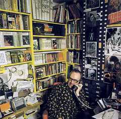Forrest J. Ackerman, photograph by Neal Preston for Starlog #18 (1978) (Tom Simpson) Tags: forrestjackerman photograph nealpreston starlog 1978 famousmonsters famousmonstersoffilmland 1970s ackermansion vintage