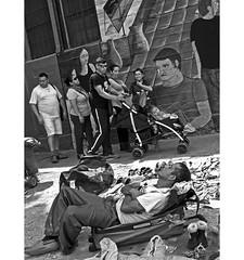 PERSA BIO-BIO 249 (ORANGUTANO / Aldo Fontana) Tags: chile santiagodechile regiónmetropolitana persabiobio rastro canong10 people gente ciudad city blancoynegro orangutano aldofontana flickr mercadodelaspulgas
