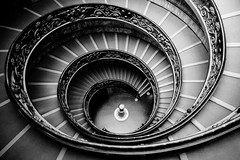 The Bramante Staircase in black and white (jbarry5) Tags: giuseppemomo vaticanmuseum spiralstaircase rome vaticancity bramantestaircase vaticanmuseumstaircase italy travelphotography travel